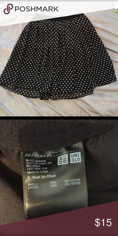 Uniqlo polka dot skirt Uniqlo polka dot skirt. Only wore once. Uniqlo Skirts