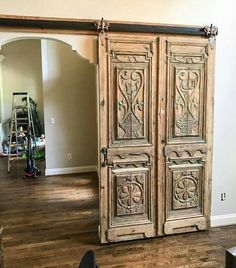 House Design, Door Design, Barn Door Designs, Wood Doors, Home Remodeling, House Styles, New Homes, Doors Interior, Beautiful Doors
