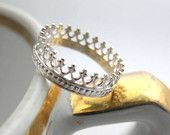 Tea time silver ring, sterling crown