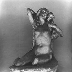 """Leone Tommasi (Pietrasanta 1903 - Pietrasanta 1965), """"DALLA VI SINFONIA """"PASTORALE"""" DI L. V. BEETHOVEN: I TEMPO"""", 1940. bozzetto, tuttotondo in gesso, cm. 102x78x68       tempo: risveglio di sentimenti all'arrivo in campagna. foto G. B. R"""