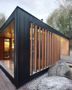 Clear Lake Cottage, Canada by MacLennan Jaunkalns Miller Architects Building A Container Home, Container House Design, Beach Cottage Decor, Lake Cottage, Prefabricated Houses, Prefab Homes, Architecture Details, Modern Architecture, House Cladding
