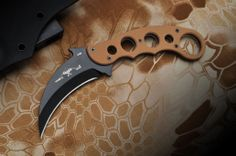 Desert Karambit Fixed Blade - Limited Edition | Emerson Knives Inc.Emerson Knives Inc.