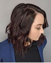 24 Hottest Dark Auburn Hair Color Ideas of 2020 15 Mahogany Hair Color Ideas You'll Love Long Layered Hair With Side Bangs, Long Layered Haircuts, Thick Hair, Dark Auburn Hair Color, Dark Red Hair, Oval Face Hairstyles, Cool Hairstyles, Small Hair Cut, Angled Haircut