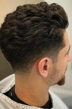 Best Wavy Hairstyles For Men Cool Haircuts For Wavy Hair - There Are Many Cool Hairstyles For Men With Wavy Hair In Fact Wavy Hair Men Have Stylish Volume And Beautiful Texture Built Right Into All Their Trendy Cuts And Styles Furthermore The Best Wavy Ha Haircuts For Wavy Hair, Wavy Hair Men, Short Wavy Hair, Curly Hair Cuts, Cool Haircuts, Curly Hair Styles, Natural Hair Styles, Popular Haircuts, Hairstyles Men