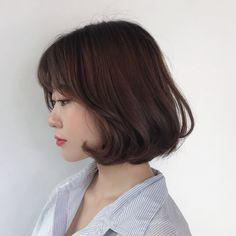 단발c컬펌 Short Hairstyles For Women, Bob Hairstyles, Medium Hair Styles, Short Hair Styles, Ulzzang Short Hair, Japanese Makeup, Japanese Hairstyle, Bob Styles, Perm