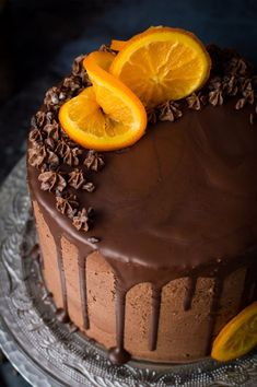 Orange and almond cake with chocolate buttercream - three layers of moist, flavourful vegan orange and almond cake with vegan chocolate orange buttercream, chocolate drip and candied orange slices. Easy to make and perfect for celebrations! Chocolate Drip, Oatmeal Chocolate Chip Cookies, Vegan Chocolate, Chocolate Recipes, Chocolate Orange, Homemade Desserts, Vegan Desserts, Flowerless Chocolate Cake, Orange And Almond Cake