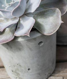 DIY concrete pot
