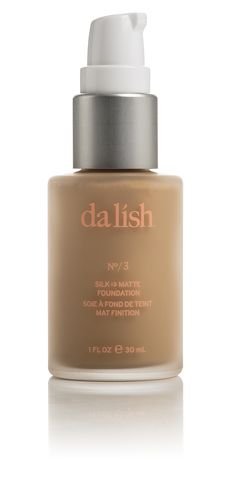 This long-wear foundation starts out silky smooth—best applied using your fingers—and dries to a radiant matte finish. Light coverage ensures a natural-looking result, yet the buildable formula evens tone where you need it, for a perfect, cake-free base. Sunflower seed oil, rich in Vitamins A, D, and E, moisturizes, calms and protects skin without clogging pores. Shade FO3 - See more at: http://www.dalishcosmetics.com/product/silk-to-matte-foundation-75-natural#sthash.QU6bKY2F.dpuf