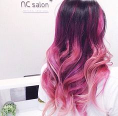 Bright pink ombre hair color idea for dark hair girls, natural balayage hairstyle }CLICK THROUGH Pink Hair Spray, Dark Pink Hair, Pink Ombre Hair, Hair Color Dark, Blonde Color, Dark Purple, Dark Red, Color Red, Medium Hair Styles