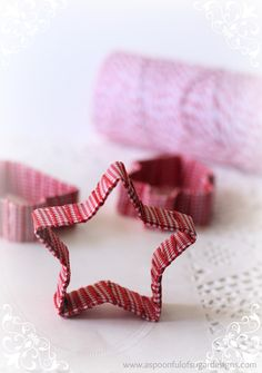 make wrapped cookie cutter ornaments