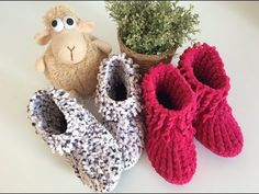 Knitting Socks, Baby Knitting, Crochet Baby, Knit Crochet, Baby Sandals, Baby Shoes, Bead Crafts, Diy And Crafts, Hairstyle Trends