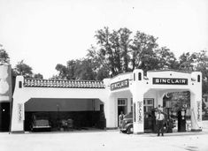 Florida Memory - A. Cooper in front of Sinclair Gas Station - Monticello, Florida Monticello Florida, Ho Scale Trains, Old Gas Stations, Filling Station, Jefferson County, Vintage Florida, Gas Pumps, Garages, Route 66