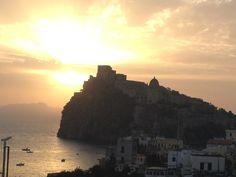 Stamattina qui ad #Ischia la giornata promette bene...    #viraccontolitalia