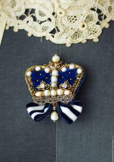 """Купить Брошь """" Корона синяя"""" - синий, корона, бархатная корона, бархат, корона брошь"""