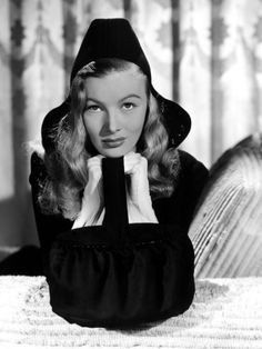 """Veronica Lake - """"I married a witch"""" (1942) - Costume designer : Edith Head"""