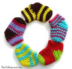 Very Easy Crochet Mini Sock (free pattern)