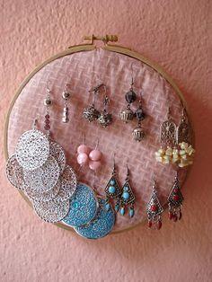 Little Treasures: Earring loop display