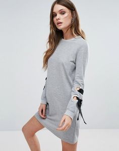 http://www.asos.fr/boohoo/boohoo-robe-trapeze-a-illets-fantaisie/prd/7764262?iid=7764262