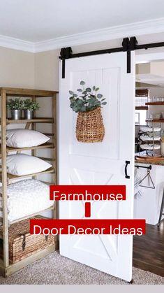 Farmhouse Christmas Decor, Rustic Farmhouse Decor, Farmhouse Chic, Farmhouse Design, Rustic Design, Farmhouse Door, Home Decor Country, Farmhouse Livingrooms, Farmhouse Lamps