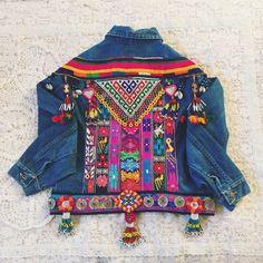 Aangepaste verfraaid Denim Jacket van wildandfreejewelry op Etsy