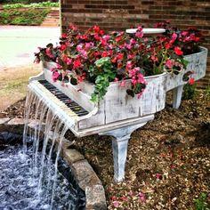 Piano + flowers = love