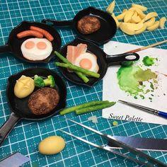 *ハンバーグにはじゃがバター、目玉焼きにはベーコンとアスパラ。。。これから調理済みに仕上げて行きます♪  #handmade #artstagram #artwork #foodstagram #food #mini #miniature #miniaturefood #instagram #instafood #instaart #instacute #insta