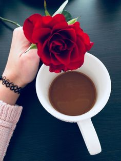 Beautiful Good Morning Images and Pictures Full HD Good Morning Flowers, Good Morning Love, Good Morning Greetings, Coffee Gif, Coffee Love, Coffee Break, Good Morning Friends Images, Good Morning Beautiful Images, Morning Pics