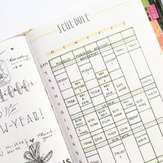 Visual weekly layout - perfect bullet journal for students - keep track of your schedule