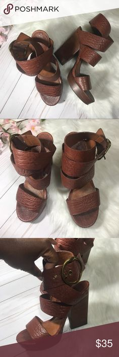3f2e07f785d823 Lucky Brand chunky heeled sandals Lucky Brand chunky heeled sandals Size  8.5 Good used condition  has scuffs on toe