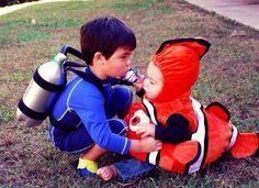 Creative Halloween Costumes: Nemo and a scuba diver