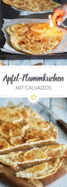 Dessert-Inspiration aus dem Elsass: der süße Flammkuchen mit hauchdünnen Apfelscheiben und Zimtzucker wird nach dem Backen mit Calvados flambiert.