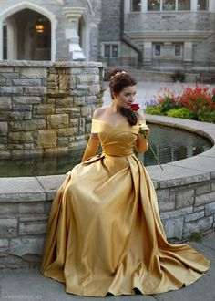 I have a bone to pick with Disney and the live-action remake of Beauty and the Beast. But let's talk about this Belle gold dress costume first, rant later. Belle Costume, Costume Dress, Lady Loki Cosplay, Belle And Beast, Nice Dresses, Amazing Dresses, Princess Belle, Renaissance Fashion, Gold Dress