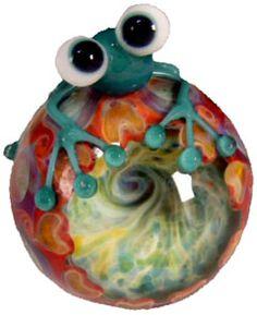 frog lampwork bead
