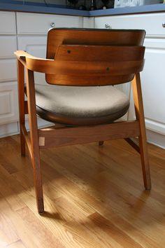 Mid Century Gunlocke Rolling Maple Office ChairMid century