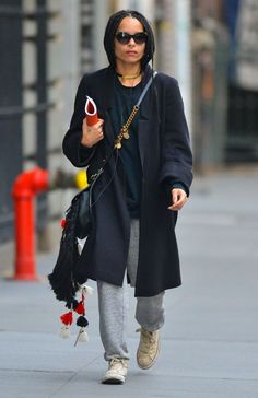 Zoe Kravitz Will Fall in Love With Emile Hirsch in 'Vincent-N-Roxxy': Photo Zoe Kravitz keeps it comfy in sweatpants while out and about on Sunday (November in New York City. Zoe Kravitz Tattoos, Zoe Kravitz Braids, Looks Style, Street Style Looks, Lisa Bonet, Zoe Kravitz Style, Lenny Kravitz, Zoe Isabella Kravitz, Quoi Porter