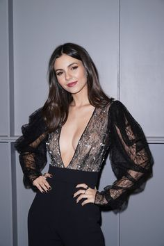 Victoria Justice - Pamela Roland show at New York Fashion Week - Hot Celebrity Photos Fashion Week, New York Fashion, Fashion Photo, Trendy Fashion, Womens Fashion, Abigail Spencer, Sara Sampaio, Shay Mitchell, Victoria Justice