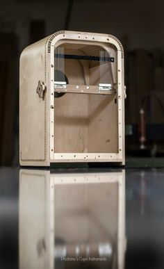 "Handmade professional Cajon model ""Jerafa"" photographer :Elise Ntoremi photography"
