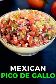 People mistake pico de gallo as salsa but while they may have the same ingredients they can be very different. Here's an easy recipe everyone will love. Around The World Food, Mexican Food Recipes, Ethnic Recipes, Magic Recipe, International Recipes, Original Recipe, Salsa, Bacon, Easy Meals