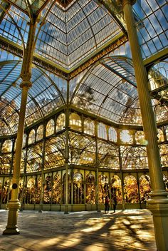 Madrid, Spain by Ronald Martinez S. The Palacio de Cristal is a glad and metal structure. It is located in Madrid's Buen Retiro Park and was built in Beautiful Buildings, Beautiful Places, Places To Travel, Places To See, Travel Destinations, Travel Tips, Spain Holidays, Spain And Portugal, Spain Travel