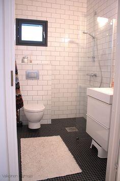 bathroom @ Valkoinen Harmaja