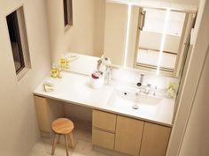 カウンターメイク台 Landry Room, Japanese House, Washroom, Dressing Room, Powder Room, Double Vanity, Home Projects, Ideal Home, Toilet