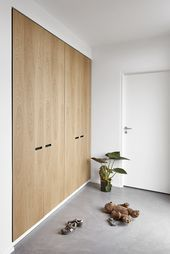 &SHUFL wardrobe in oak ❤️🍃🍂🍁 Made with ikea hack. , &SHUFL wardrobe in oak ❤️🍃🍂🍁 Made with ikea hack. Fronts: From &SHUFL wood collection. Oak Wardrobe, Bedroom Wardrobe, Built In Wardrobe, Home Bedroom, Bedroom Decor, Ikea Wardrobe Hack, Solid Oak Furniture, Decoration Inspiration, New Homes