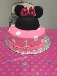 Minnie mouse cake Minnie Mouse Cake, Cakes, Desserts, Food, Meal, Deserts, Essen, Mini Mouse Cake, Hoods