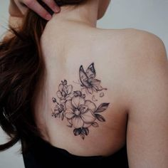 Gorgeous Butterfly Tattoo Ideas that you must try! – Jessica Pins Gorgeous Butterfly Tattoo Ideas that you must try! Funky Tattoos, Weird Tattoos, Rose Tattoos, Unique Tattoos, Beautiful Tattoos, Amazing Tattoos, Tatoos, Butterfly With Flowers Tattoo, Butterfly Tattoos