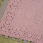 Baby blanket made with a lace heart motif and seed stitch border. Baby blanket made with a lace heart motif and seed stitch border. Baby Boy Crochet Blanket, Baby Boy Blankets, Knitted Baby Blankets, Baby Afghans, Crochet Baby, Crochet Owls, Ravelry Crochet, Crochet Animals, Baby Knitting Patterns