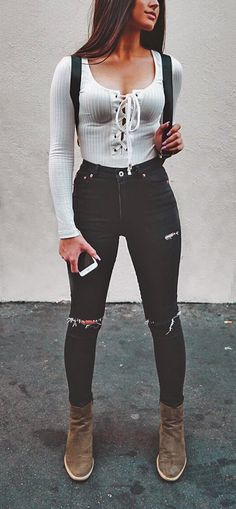 Cute fall outfits you need for your fall wardrobe! From leather jackets and sweaters to fall boots these fall fashion trends are the best outfit ideas! Cute Fall Outfits, Winter Outfits, Summer Outfits, Summer Dresses, Winter Clothes, Nice Outfits, Hot Outfits, Edgy Outfits, Outfit Zusammenstellen
