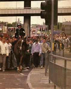 Casuals on Byrom St, by the flyover,being led to lime street station from Goodison or Anfield. Football Casuals, Football Fashion, Uk Football, Uk Culture, Youth Culture, Ultras Football, Adidas Retro, Sergio Tacchini, Chelsea Fc