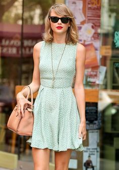 Taylor Swift Photos: Taylor Swift Gets Lunch in NYC