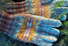 Authentic Hand Knit Fair Isle Gloves :: Agnes Bowie :: Bespoke hand knit Fair Isle from Shetland ::   Would love to knit a pair of gloves at all, let alone stranded color designs on each finger!