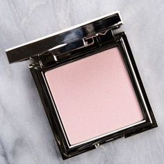 Cosmetic Bay offers the very best cosmetics and accessories at unbeatable prices. Best Makeup Brushes, Best Makeup Products, Pure Products, Beauty Products, Makeup Brands, Beauty Tips, Sugar Lip Treatment, Best Highlighter, Makeup Products